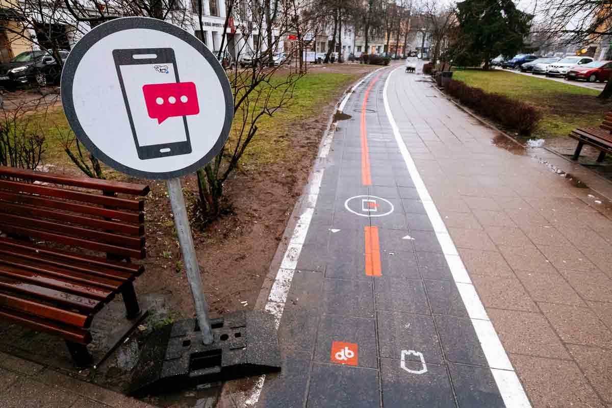 texting-path-Vilnius