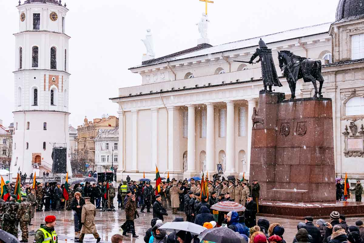military-choir-cathedral-square-vilnius