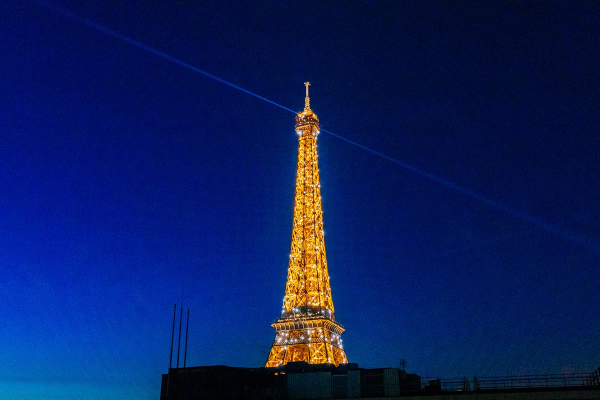 eiffel-tower-night-view