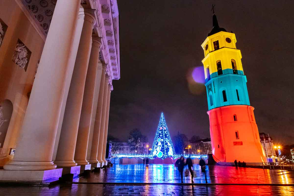 cathedral-christmas-tree-and-illuminated-bell-tower-vilnius