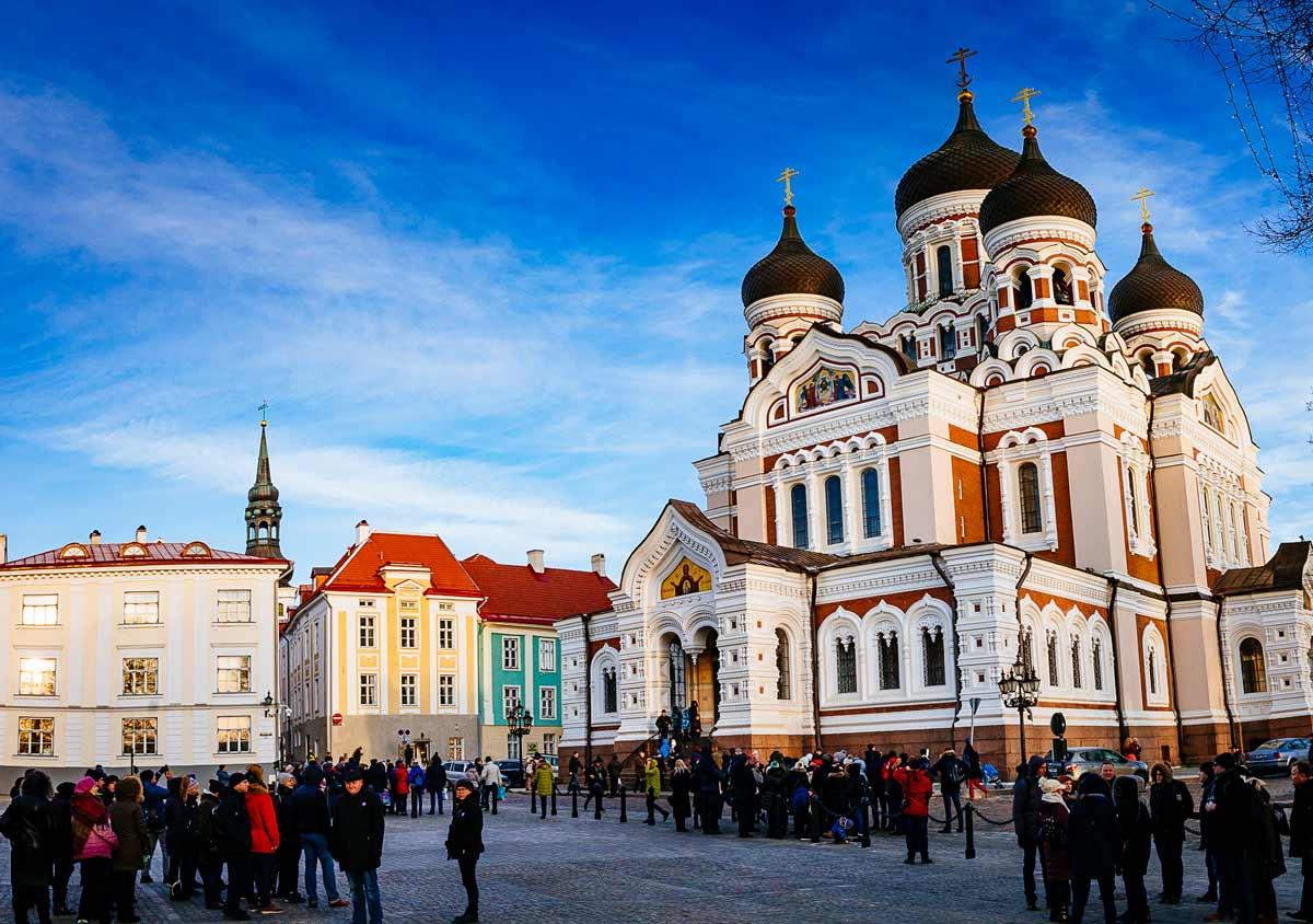 St-Alexander-Nevsky-Cathedral-daytime-Tallinn-1200pxWide