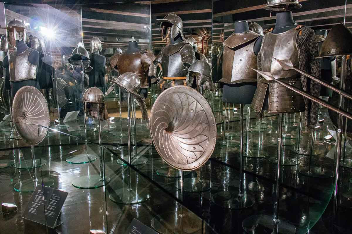 armor-collection-malbork