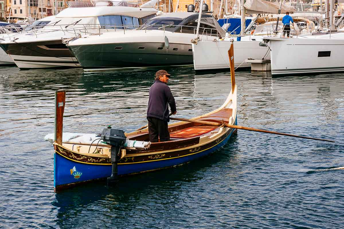 luzza-water-taxi-three-cities-malta
